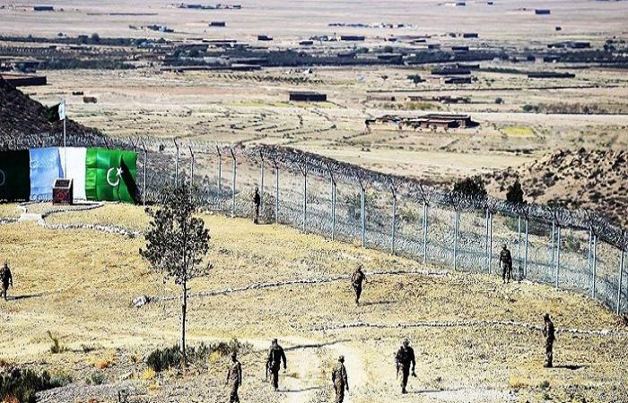 সন্ত্রাসী হামলায় পাকিস্তানে ১০ সেনা সদস্য নিহত